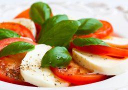 caprese-salad-ftr